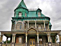 Château Richard, 6983 Avenue Royale, L'Ange-Gardien, Quebec, Canada. 08.31.2013