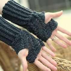 Twist Fingerless Glove Pattern; free, includes hand/wrist measurments for correct fit...