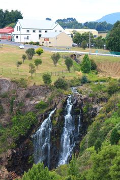 The waterfall in the town centre of Waratah, Tasmania ! Beautiful World, Beautiful Places, Australian Road Trip, Australia Trip, Nature Water, Beautiful Waterfalls, Tasmania, Continents, North West