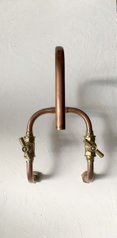 It's made of 15x1mm copper pipe and bronze fittings perfectly welded and sealed. The stop valves are high quality forged brass. #copper #pipe #steampunk #industrial #deckmount #wallmount #bronze #handmade #faucet #tap #robinet #scandinavian #antique #period #brutalist #kitchen #bathroom