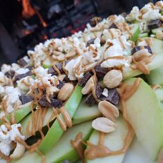 The kids are hanging out - playing board games so I made them a tray of our fave Apple Nachos. Ingredients: green apples drizzled peanut or almond butter air popped popcorn w/sea salt peanuts. Apple Recipes, Clean Eating Recipes, Fall Recipes, Real Food Recipes, Yummy Food, Clean Foods, Beef Recipes, Healthy Snacks