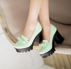 Women's Comfortable Sweet Thick-soled Thick-heel Pumps With Bowknot
