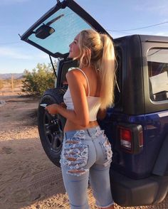 Jeep Wrangler Girl, Sexy Outfits, Cute Outfits, Beste Jeans, Jeep Baby, Looks Pinterest, Tumbrl Girls, Trucks And Girls, Car Girls