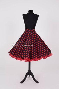 Entdecke lässige und festliche Kleider: Polka Dot Tellerrock schwarz/rot made by Atelier Belle Couture 50er Jahre Petticoatkleider Rockabilly Kleider via DaWanda.com