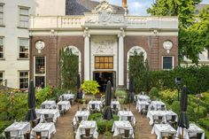 Lion Noir Restaurant and Bar in Amsterdam is a hip place to dine & drink. Lion Noir Restaurant offers French food in a stylish setting. Amsterdam Cafe, Amsterdam Restaurant, Fun Places To Go, Cafe House, Garden Cafe, Cool Cafe, Design Awards, Netherlands, Tents
