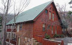 SPACIOUS, WELL BUILT LOG HOME, 2BR + bonus! Media or 2nd living area. Custom…