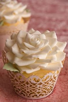 ivory rose lace cupcake - beautiful