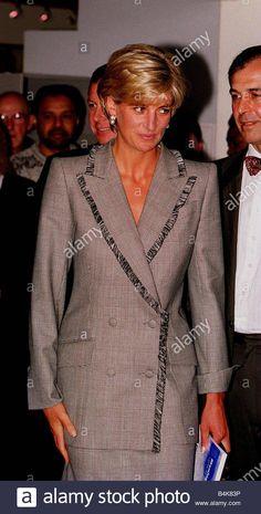 Princess Diana visits St Mary s Hospital in Passington and meets DJ Terry Wogan April 1997