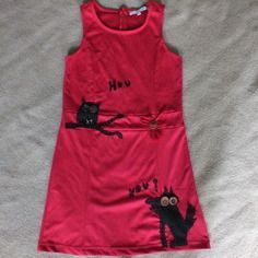 Robe rouge customisée thème loup et hibou