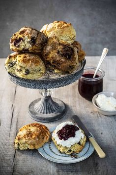 This recipe for easy homemade scones from Avoca is perfect for afternoon tea. Wine Recipes, Baking Recipes, Fruit Scones, Homemade Scones, Creamed Eggs, Baking Sheet, Unsalted Butter, Raisin, Afternoon Tea