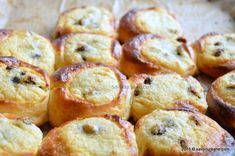 Ochi de bou (11) Pastry And Bakery, Pastry Cake, Cake Recipes, Dessert Recipes, Romanian Food, Dessert Drinks, Eat Dessert First, Food Cakes, Special Recipes