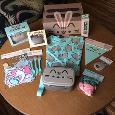 Pusheen Spring 2017 Box, Original Sealed, Shirt Size S Gato Pusheen, Pusheen Love, Pusheen Stuff, Pusheen Birthday, Stationary School, Bullet Journal Ideas Pages, Fat Cats, Cat Lover Gifts, Gaming