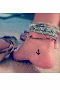 tatouage style marin ancre