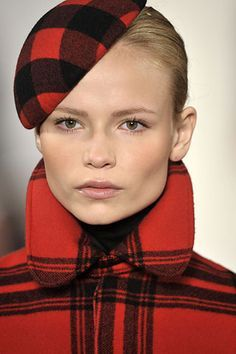 Celebrities who wear, use, or own Ralph Lauren Fall 2008 Plaid Beret. Also discover the movies, TV shows, and events associated with Ralph Lauren Fall 2008 Plaid Beret. Tartan Dress, Tartan Fabric, Tartan Plaid, Vivienne Westwood, Tweed, Alexander Mcqueen, Tartan Fashion, Scottish Fashion, Polo Ralph Lauren
