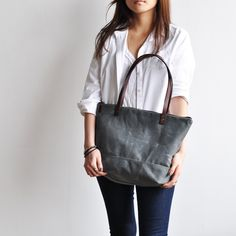 ZIP TOTE - waxed canvas