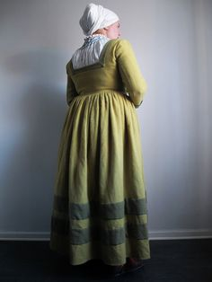 Katafalk's wonderful article on dyeing wool with birch leaves!   Betulapendulafrau - 16