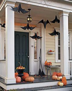 Spooky Halloween, Porche Halloween, Entree Halloween, Halloween Veranda, Fete Halloween, Halloween Celebration, Halloween Recipe, Women Halloween, Farmhouse Halloween