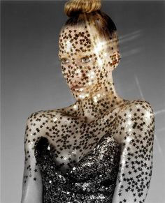 Fashion World gold start. body painting and art