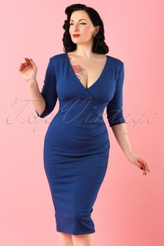 A sassy dress each day, keeps the doctor away... so order this 50s Iris Pencil Dress quickly!  Sassy yet sophisticated cut with a sexy wrap-over! Real eyecatcher is the breath taking royal blue colour. Made from a thicker, stretchy, fabric that hugs your curves without marking any problem areas, vavavoom! The doctor is probably not that happy with us ;-)   Elegant 3/4 sleeves Fixed wrap-over Pleats at the side Hidden zipper at the back Sexy slit at the back Our black beauty Ava height:...