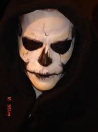The designs for face painting on Halloween can be as simple or as artistic and detailed as you like. You love to try these amazing Halloween Makeup for Men. Halloween Skeleton Makeup, Amazing Halloween Makeup, Halloween Skeletons, Scary Halloween, Halloween Costumes, Halloween Ideas, Halloween Stuff, Facepaint Halloween, Halloween Carnival