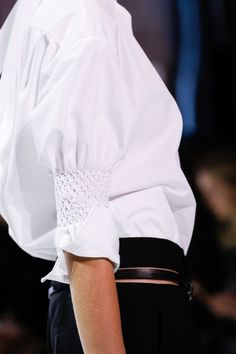 Ruched sleeve detail adds a fresh spin to a classic white shirt - Haider Ackermann Spring 2017 Ready-to-Wear collection Fashion Week, Fashion 2017, Love Fashion, Fashion Show, Womens Fashion, Fashion Tips, Fashion Trends, Paris Fashion, College Fashion