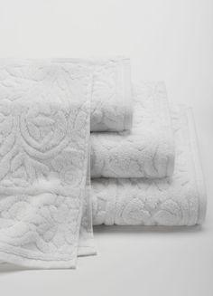ANICHINI Nevada towels  Anichini's signature sculpted towel.