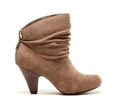 "Sole Society ""Leylani"". Cute. Simple. Chic. YES PLEASE."