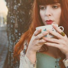 Cold hands. . . #gingergirl #gingerhair #redhead #tea #teatime #winter #likealady #vintagefashion #photography #photo #vscophoto #vsco