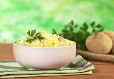 Sweet and Spicy Bacon Wrapped Chicken Tenders - potato salad - Salat Sour Cream Potatoes, Lemon Potatoes, Creamed Potatoes, Easy Salad Recipes, Easy Salads, Greek Style Potatoes, Potato Barrel, Old Fashioned Potato Salad, Southern Potato Salad