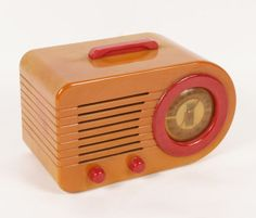 Fada Bullet Bakelite Radio