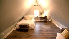 48 Elegant Small Attic Bedroom For Your Home. It's not always easy to decorate the attic bedroom so you are going to need a plan before you begin. You will have sloping ceilings to deal with as well. Attic Master Bedroom, Attic Bedroom Designs, Attic Design, Attic Bathroom, Master Suite, Small Bathroom, Attic Spaces, Attic Rooms, Small Spaces