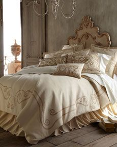 """Athena"" Bedding"