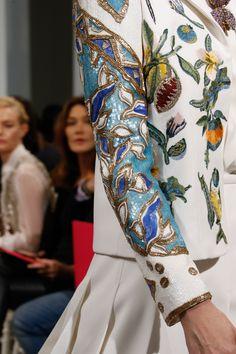 http://www.vogue.com/fashion-shows/spring-2016-couture/schiaparelli/slideshow/details