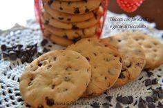 Biscotti con farina di riso e gocce di cioccolato http://unasicilianaincucina.com/biscotti-con-farina-di-riso-e-gocce-di-cioccolato/
