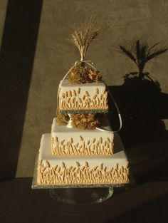 rustic themed wedding cakes pictures | rustic wedding is a little bit country a haystack rustic wedding cake ...