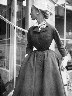 Anne Klem - 1952 - Harper's Bazaar - Photo by Lillian Bassman