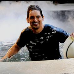 he's really...wet;)