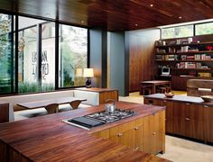 50 Custom Cozy Kitchen Dining Nooks with Built-In Seating (Photos) These are awesome. 50 custom kitchen dining nooks with built-in seating. Cozy Kitchen, Living Room Kitchen, Home Decor Kitchen, Open Kitchen, Kitchen Windows, Kitchen Ideas, Best Interior, Interior Design, Interior Decorating