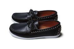UE Studs deck shoes