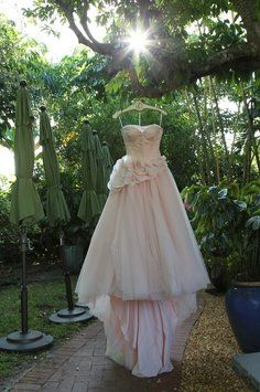 Kelsey wedding dress henry roth wedding dress and recycled bride junglespirit Images