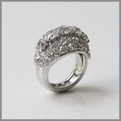Diamond Ring by René Boivin set in Platinum, circa 1940 (=)