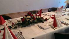 Feiern im Hotel Frechener Hof: Tagungs- und Veranstaltungsräume stehen für Ihre Feierlichkeiten wie zum Beispiel Taufen und Hochzeiten, Firmenpräsentationen, Lehrgänge, Trauerfeiern und Events - gerne auch außerhalb der oben genannten Öffnungszeiten!- zur Verfügung.