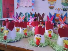 Recyled chicken craft for kids Vbs Crafts, Easter Crafts, Diy And Crafts, Crafts For Kids, Paper Cup Crafts, Farm Animal Crafts, Chicken Crafts, Little Red Hen, Letter A Crafts