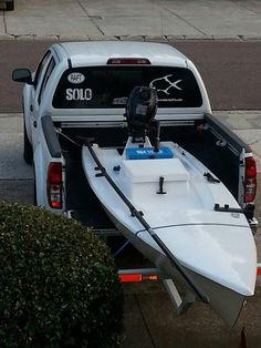 #fishing boat Fishing Rigs, Gone Fishing, Fishing Boats, Fishing Stuff, Small Pontoon Boats, Small Boats, Kayaks, Angler Kayak, Boat Dealer