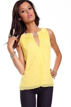 guess who just found hannah's yellow top from PLL? BOOM!