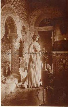 Principesa Maria a României, s. Ferdinand, Descendants, Edinburgh, Queens, The Past, Royalty, History, Face, Dresses