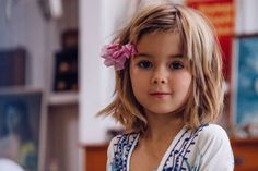 Nesse post, mil ideias de cortes de cabelo para meninas que vão deixar sua pequenina linda! Sugestões para fios lisos, cacheados, longos, médios e curtos!