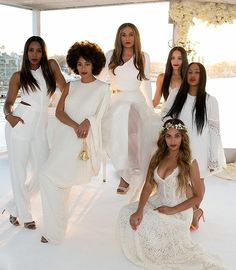 Beyoncé & Solange On Their Mother Tina's Wedding Day To Richard Lawson 12.04.2015