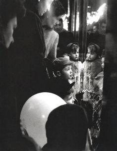 © Willy Ronis - Paris, (1952)