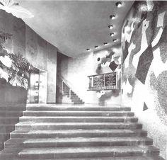 Interior de edificio de Reaseguros Alianza, México DF 1953    Arq. Enrique del Moral    Los murales de Carlos Mérida    Foto: Guillermo Zamora -    Interior of the Reinsurance Alliance Building, Mexico DF, 1953    Murals by Carlos Merida